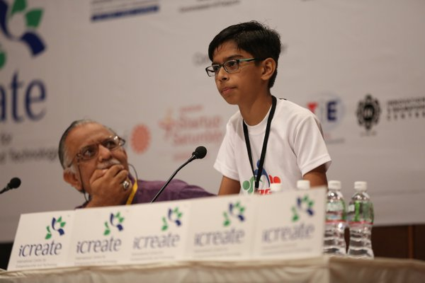 Read more about the article 14-year-old boy bags Rs 5 crore MoU For Drones At Vibrant Gujarat Summit