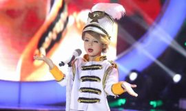 Taylor Swift's mini-me: 7-year-old girl's impersonation goes viral