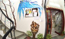 THE ART HUB – Not an average Art School !!