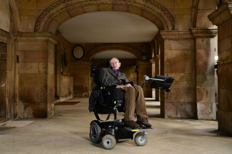 Read more about the article Iconic Scientist Stephen Hawking Has Died at the Age of 76 & 5 Things You Didn't Know About Stephen Hawking