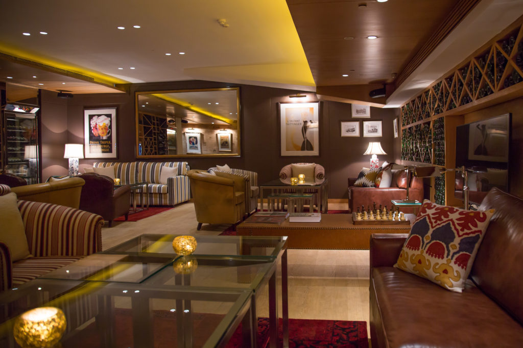 Enjoy Live Jazz,Wine and good food at this exclusive Lounge in South Delhi