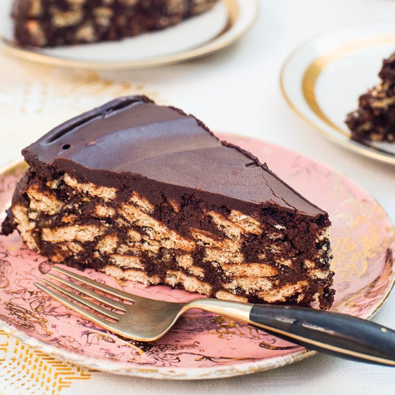 Read more about the article #LockDown Try This Chocolate Biscuit Cake – 3 Ingredient Eggless No Oven Bake Easy Recipe